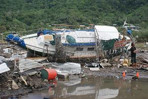 Click image for larger version  Name:Samoa_Tsunami_5.JPG Views:114 Size:77.1 KB ID:1134