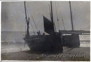 Click image for larger version  Name:Hastings_Fishing_boat_1934.jpg Views:17 Size:44.2 KB ID:1205
