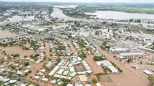 655252-aerials-of-bundaberg-floods[1].jpg