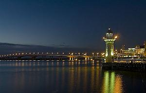 Click image for larger version  Name:Lighthouse_at_Raffles.jpg Views:26 Size:41.6 KB ID:300