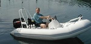Click image for larger version  Name:Schipperke_on_board.jpg Views:201 Size:20.5 KB ID:362